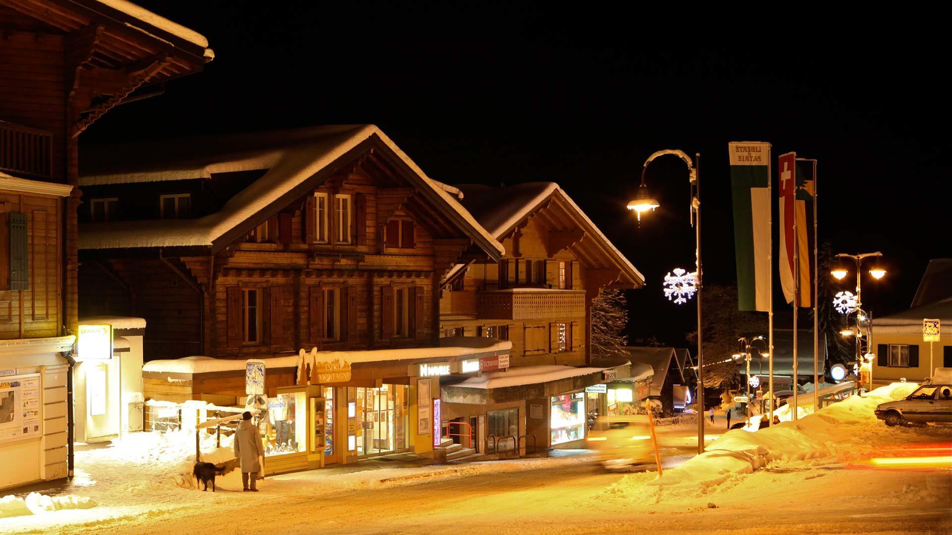leysin-hiver-marche-nuit